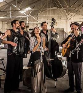 Barcelona Gipsy balKan Orchestra / Hiroshima Mon Amour