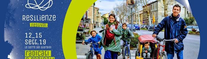 A scuola a piedi e in bici | Resilenze Festival